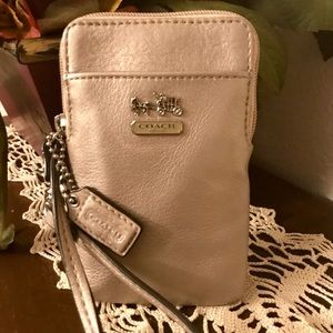Authentic Coach Champagne Leather Wristlet